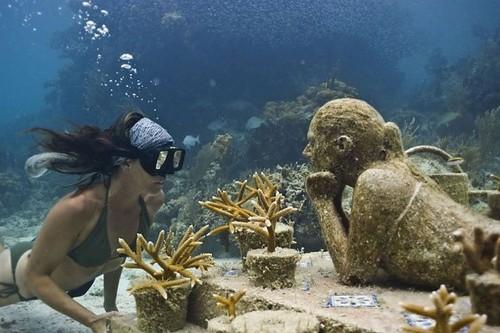 4. Unterwasser-Museum